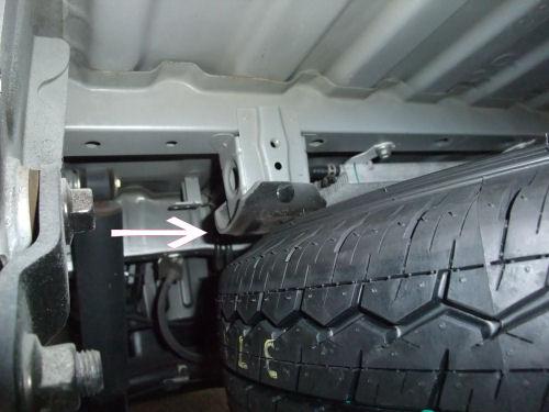 レジアスエース(ハイエース)タイヤ収納