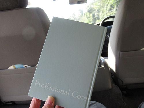 ハイエース(レジアスエース)車内で読書